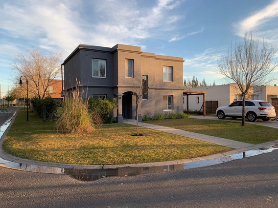Oportunidad !!! Hermosa Casa En Venta En Barrio La Comarca A Muy Buen Precio!!!