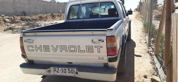 Chevrolet Luv 2.3