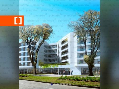 Venta De Apartamento Obra Construcción 2 Dormitorios En La Comercial, Grand Boulevard Unidad 624