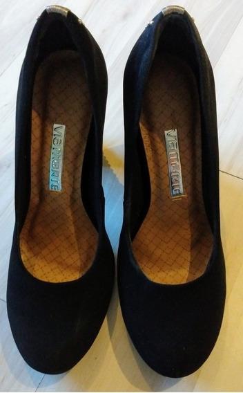 Zapatos Negros Gamuzados,