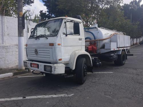 Imagem 1 de 9 de Caminhão Hidro E Limpa Fossa Wolks 96