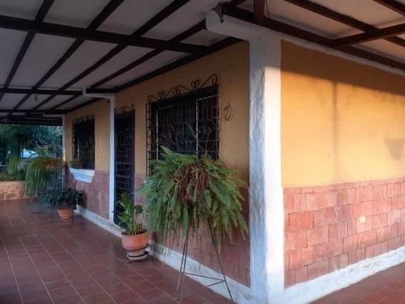 Rentahouse Lara Vende Casa 20-1449 Cmm