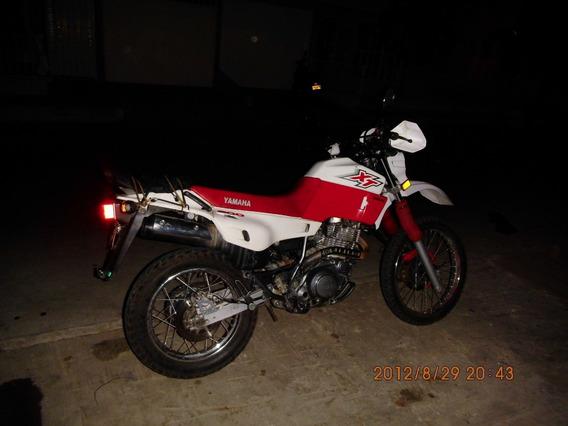Yamaha Xt 600 Color Rojo Y Blanco