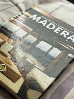 Libro Arquitectura E Interiores En Madera.