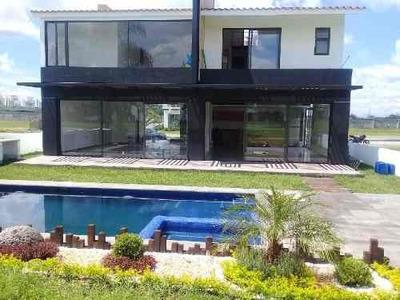 Casa Sola En Renta En Paraíso Country Club, Emiliano Zapata, Morelos