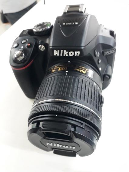 Máquina Nikon D5300