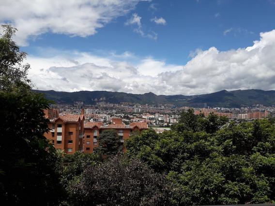 Apartamento Remodelado Lindaraja, Amplio, Hermosa Vista.