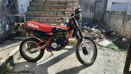 Imagem 1 de 6 de Honda Xlx 250 R
