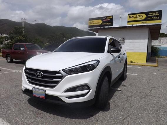 Hyundai Tucson .