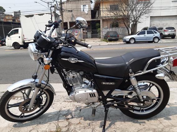 Suzuki Intruder 125 2015 Preta