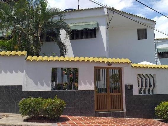 Mn Casa En Venta En Clnas. Catia La Mar Mls #20-2099
