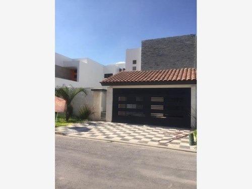 Casa Sola En Venta Fracc. Residencial Los Fresnos