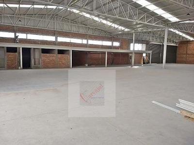 Rento Bodegas 5000 M2 Uso Industrial Rampas Trailer Leon Gt
