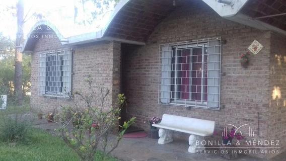 Casa De 3 Dormitorios En Barrio Country A Pocas Cuadras Del Centro