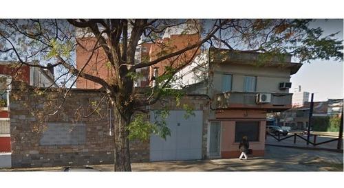 Local Comercial + Una Casa + Un Apartamento En La Blanqueada