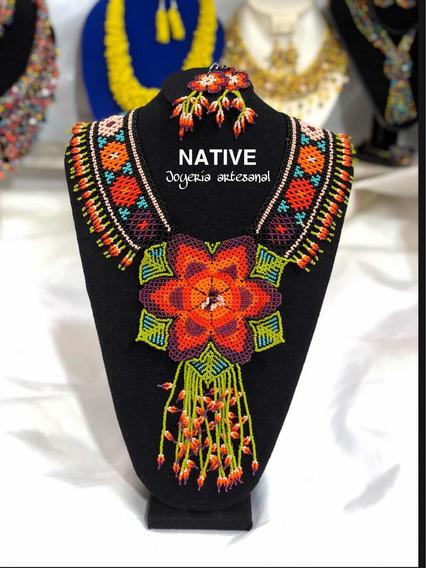 Collar De Chaquiras Modelo Flor