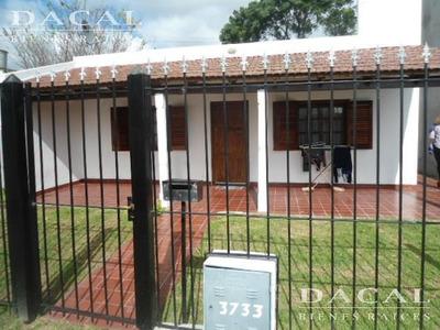 Casa En Alquiler La Plata Calle 14 E/ 607 Y 608 Dacal Bienes Raices