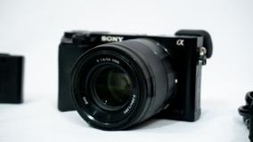 Sony Alpha A6000 + Frete Grátis (câmera Mirrorless)