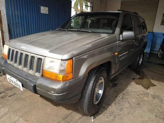 Grand Cherokee Laredo 18,000,00