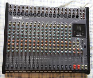 Consola Soundtech 16 Canales Recitales 16 Retormos St162t