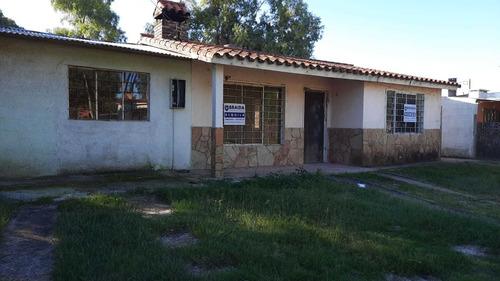 Amplia Casa En Parque Del Plata