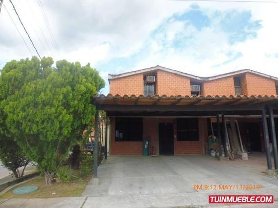 Townhouses En Venta Guarenas Nueva Casarapa 20-10647 Fn