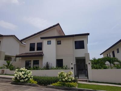 17-5615ml Se Alquila Hermosa Casa Familiar En Panamá Pacific
