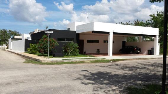 Casa En Venta En Privada Hacienda Cholul, Mérida, Yucatán