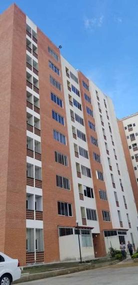 Apartamento En Naguanagua Mañongo Doral Country Foa-1022