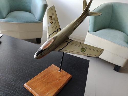 Imagen 1 de 6 de Antiguo Avión Fuerza Aérea