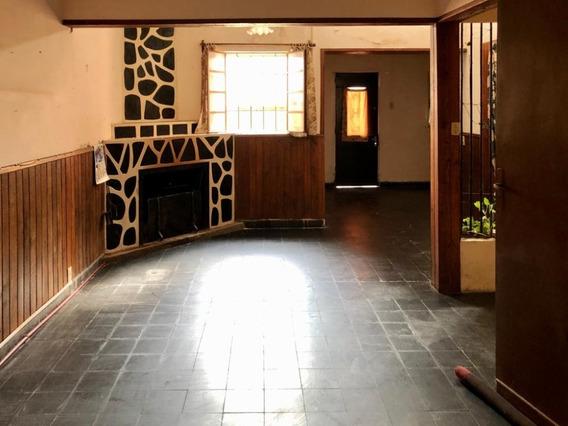 Venta De Casa - Zona Céntrica - 3 Dormitorios