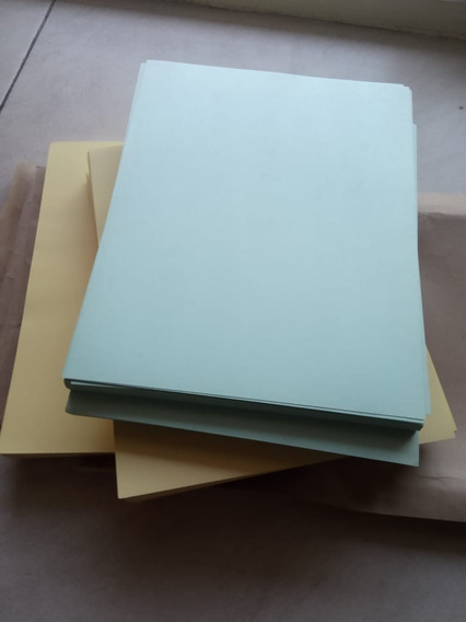 Cartulinas Tamaño Carta 28x22 Color Amarillo Dorado/ Verde