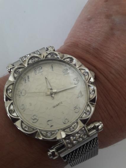 Relógio Feminino Prateado Com Strass E Pulseira Magnética