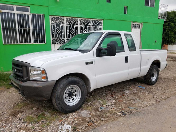 Ford F250 Diesel Estándar 4 Puertas