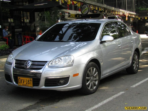 Volkswagen Bora Exclusive 2500 Cc At 4x2