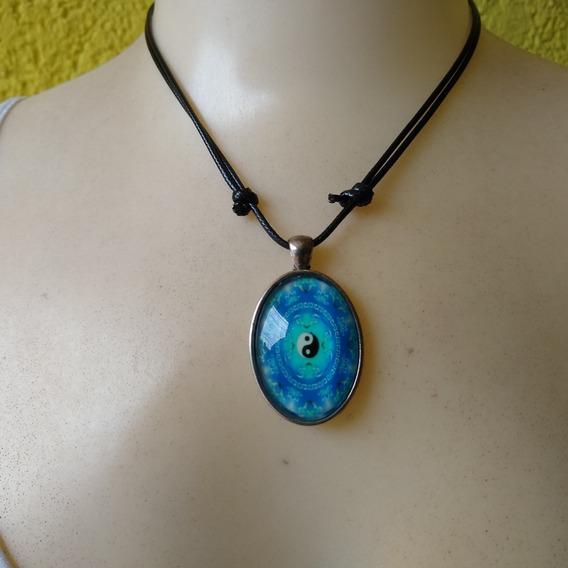 Colar Mandala Fluorescente Brilha No Escuro Ref: 8094