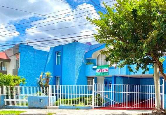 Colonia Indepencia, Hermosa Casa En Venta