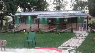 Casa Tipo Campo De 4 Ambientes Dos Baños Y Uba Pileta