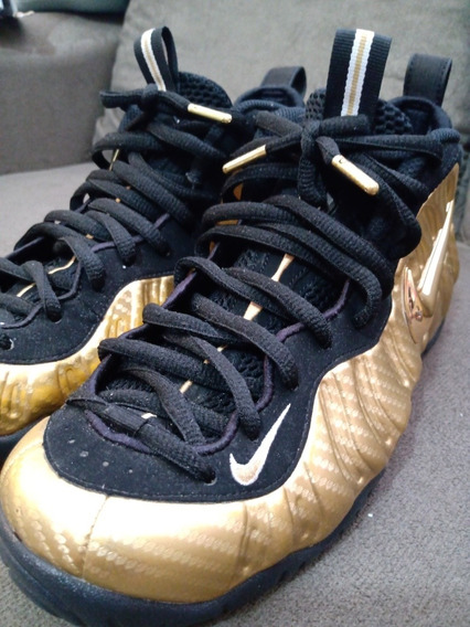 Tênis Nike Foamposite Dourado