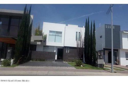 Casa En Renta En El Refugio, Queretaro, Rah-mx-19-2298