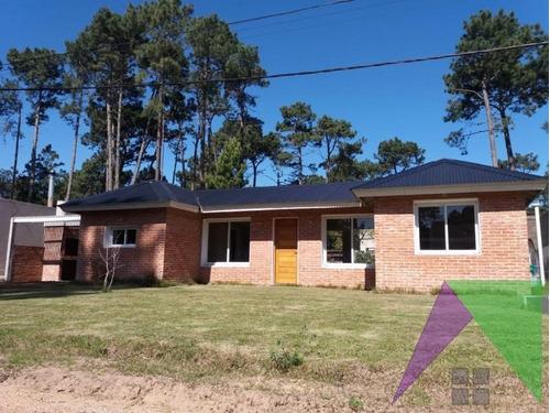 Excelente Casa A Estrenar, Pinares  Punta Del Este- Ref: 30210