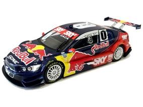 Miniatura Stock Car Chevrolet Sonic Cacá Bueno 2012 Red Bull