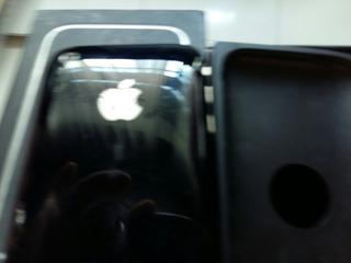 iPhone 3 8 Gb