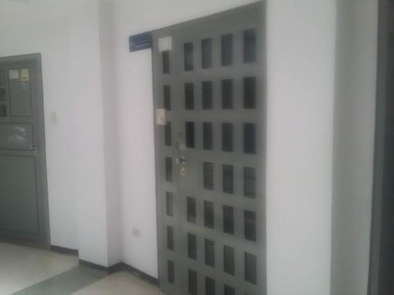 Oficina En Alquiler En El Parral 04123424992.