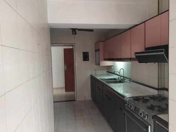 Apartamento En Alquiler Este De Barqto 20-680