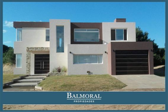 8994 - Casa Con Piscina Climatizada- Pinamar-
