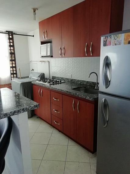 Apartamento 3 Habitaciones 2 Baños Cocina Semi 3 Closet, Pis