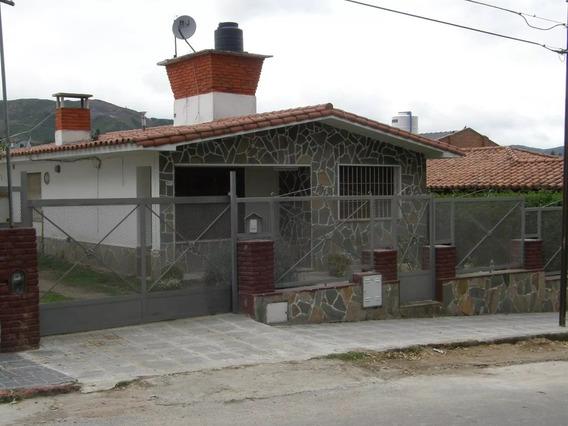 Dueño Vende 2 Propiedades En La Falda Con Piscina