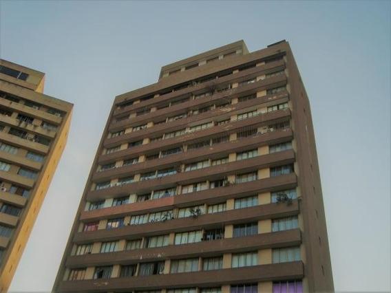 Apartamento En Alquiler En El Marques Cod: 20-12088