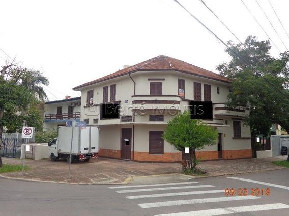 Apartamento Em Petrópolis Com 3 Dormitórios - Bt6658